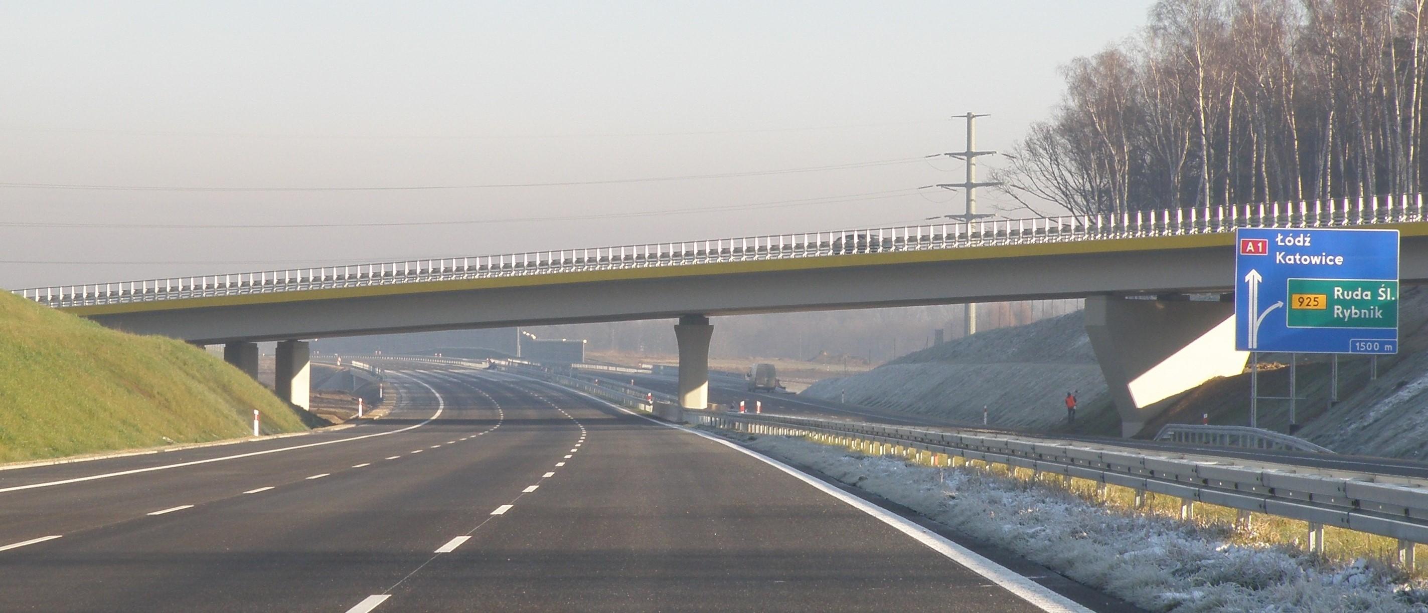 AUTOSTRADA A1 NA ODCINKU ZAWODZIE – WOŹNIKI ZE STRABAG