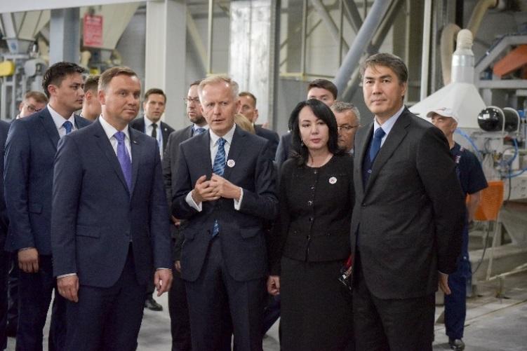 Prezydent Andrzej Duda w najnowocześniejszej fabryce Selena Insulations w Kazachstanie