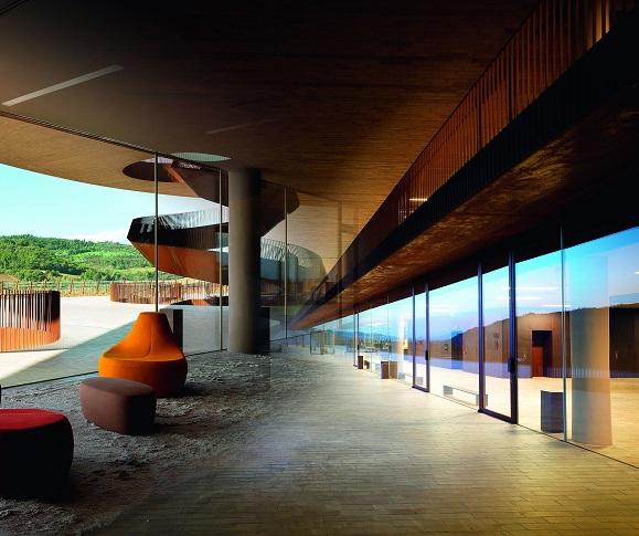 inspirujaca-podroz-przez-szklana-architekture-ze-szklem-marki-pilkington